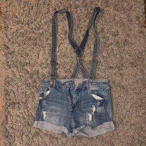 HIPPY LAUNDRY DENIM SHORTS W/ OVERALL ATTACHMENTS